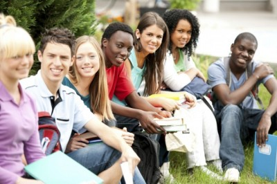 How New Students Should Make Friends In College?