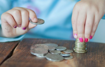 How To Make Kids Financially Independent When They Are In College?