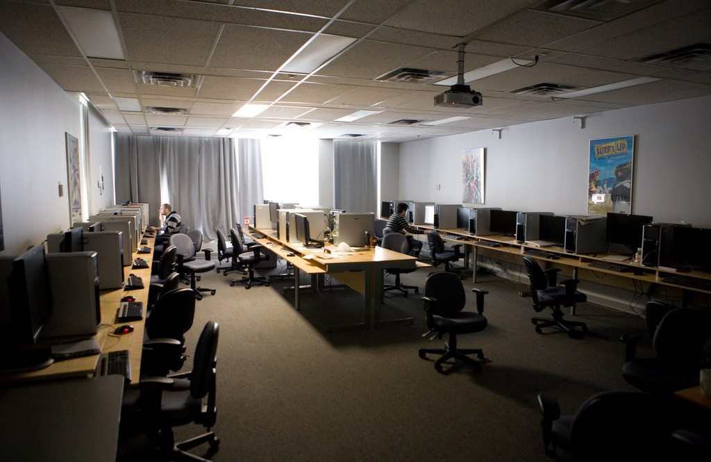 Effective Noise Reduction In Learning Spaces