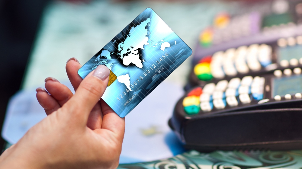Tips To Control Your student life Expenses Using Credit Cards