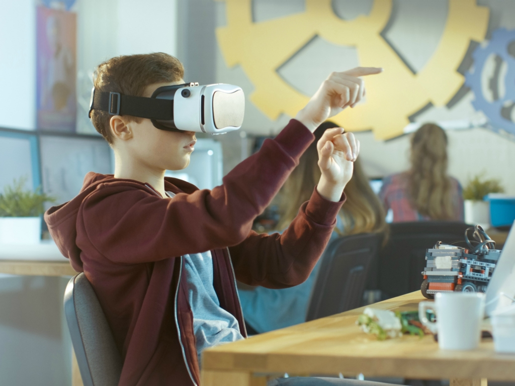 The Benefits Of Using Augmented Reality In The Classroom