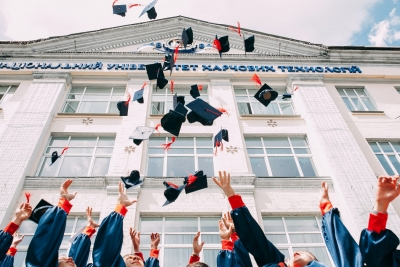 How to Decide If You're Ready to Go Back to School For Your Bachelor's Degree